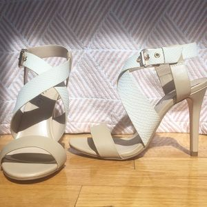 Strappy open toe nude heels super comfortable 7.5